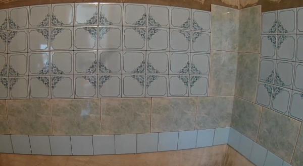Узоры при облицовке стен керамической плиткой